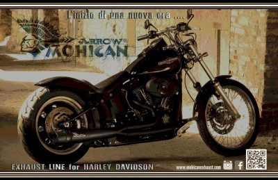 Harley Davidson® Softail with black 2:1 full Mohican Exhaust system and carbon end cap