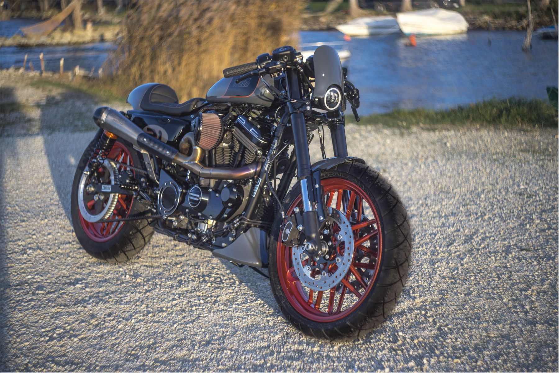 Special Harley Davidson® 883 with dedicated Mohican Exhaust Full system