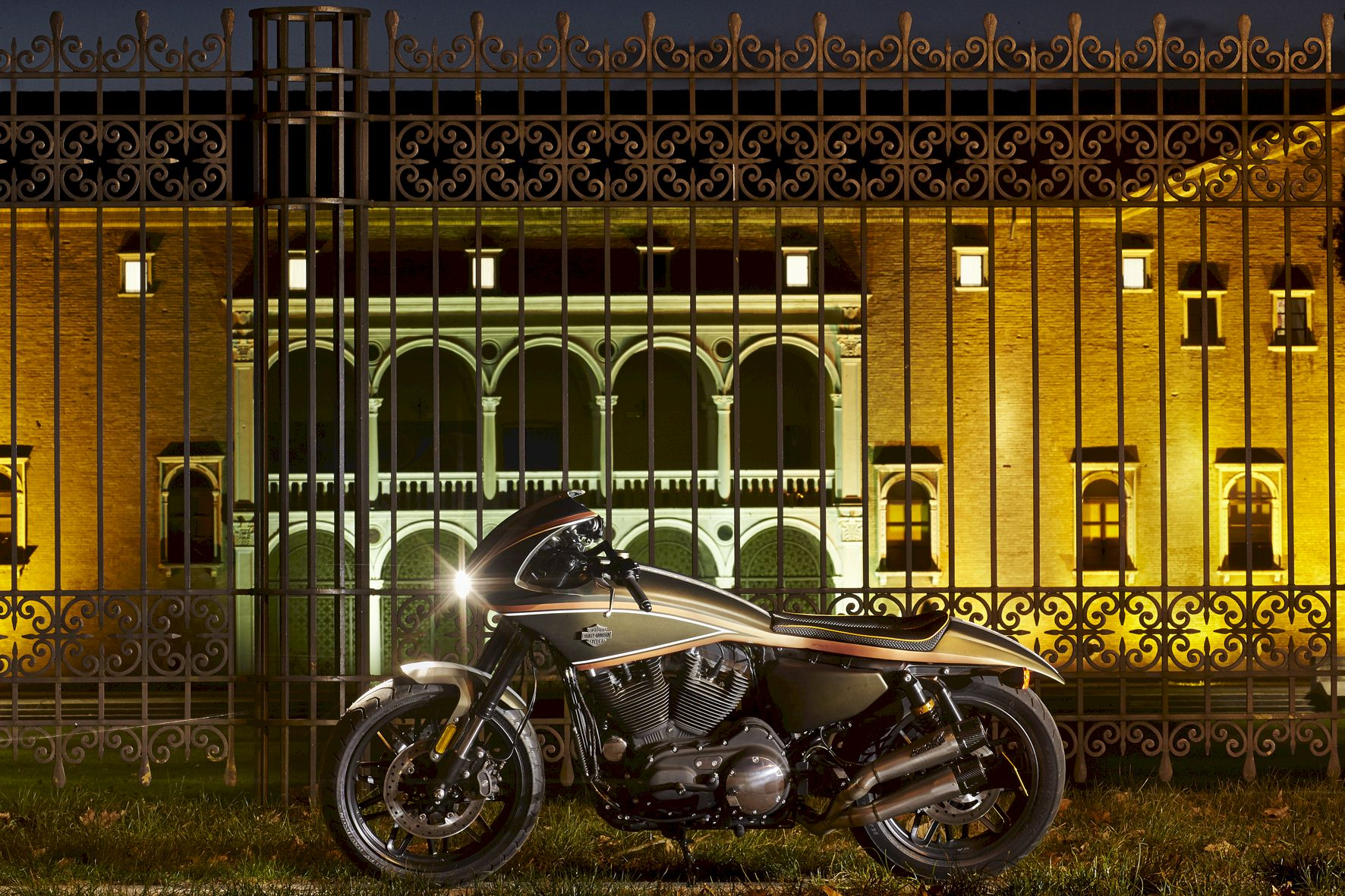 Special Harley Davidson® 883 with dedicated titanium Full system by Mohican Exhaust